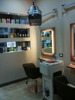 MAXFAR restYLing negozio parrucchiere (9)